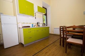 3-комн. квартира, 54 кв.м. на 5 человек, улица Революции, Евпатория - Фотография 2
