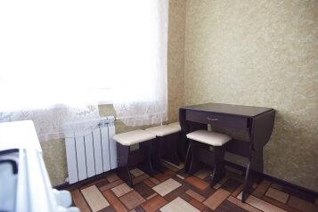 3-комн. квартира, 60 кв.м. на 6 человек, улица Сойфера, 7, Советский район, Тула - Фотография 2