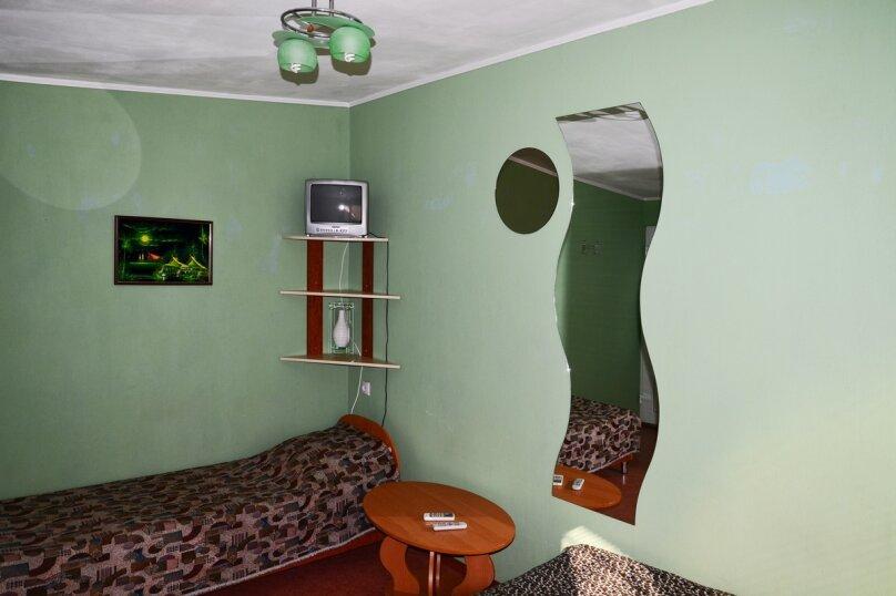 """Гостевой дом """"БРИЗ"""", Первомайский переулок, 4 на 12 комнат - Фотография 29"""