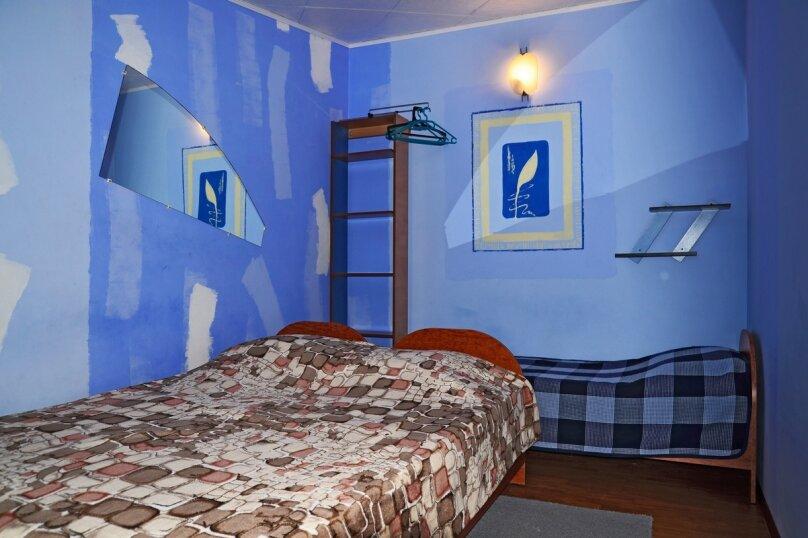 2-3х местный номер эконом 2-й этаж (Синий), Первомайский переулок, 4, Феодосия - Фотография 1