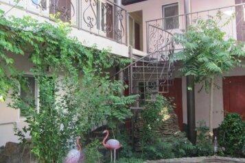 Гостевой дом в начале частного сектора в Витязево, Центральная улица на 20 номеров - Фотография 2