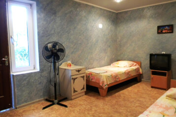 2-х комнатный дом со всеми удобства на 5 человек, 2 спальни, Приморская улица, 12, Черноморское - Фотография 3