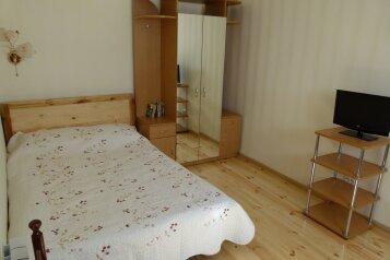 Домик в лесу, 80 кв.м. на 6 человек, 2 спальни, пос. Горное, Ливадия, Ялта - Фотография 2