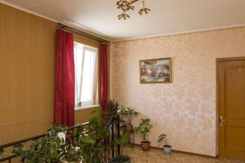 """Гостевой дом """"На Толстого 34А"""", улица Толстого, 34А на 13 комнат - Фотография 2"""