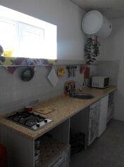 Домик под ключ, 120 кв.м. на 6 человек, 2 спальни, Лиманная улица, Молочное - Фотография 3