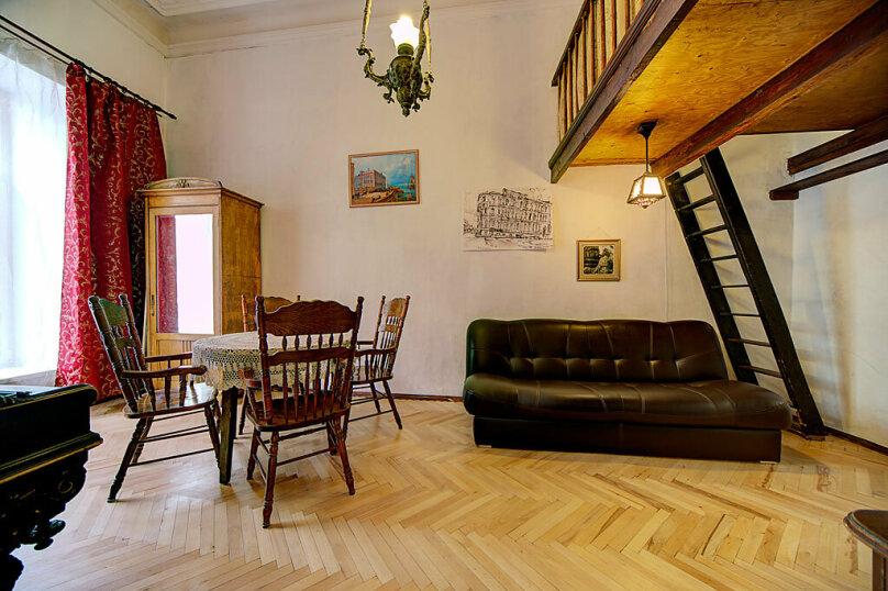 2-комн. квартира, 75 кв.м. на 6 человек, Большая Морская, 53/8, Санкт-Петербург - Фотография 1