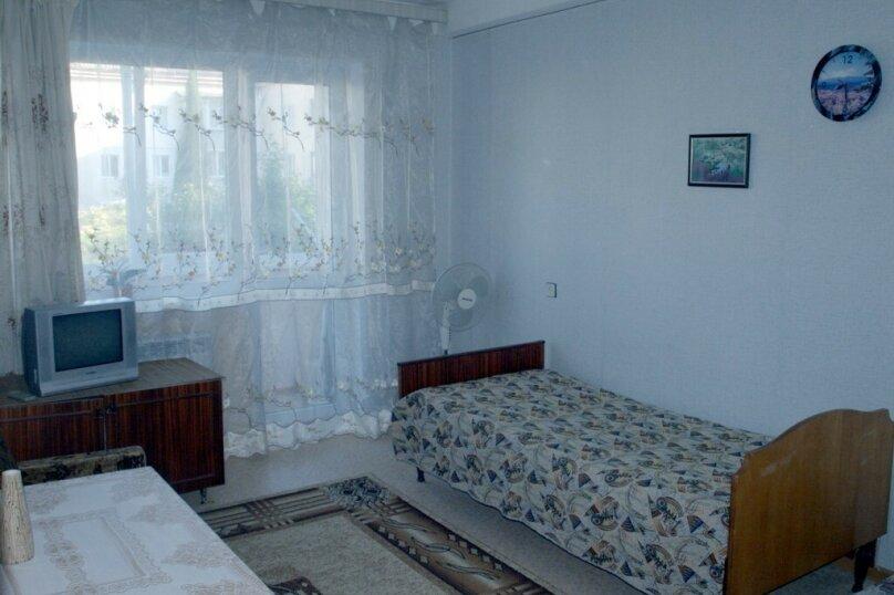 1-комн. квартира, 32 кв.м. на 3 человека, улица Глухова, 7, Севастополь - Фотография 4