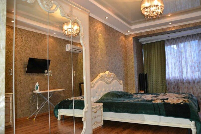 2-комн. квартира, 90 кв.м. на 5 человек, переулок Богдана Хмельницкого, 10, Адлер - Фотография 1