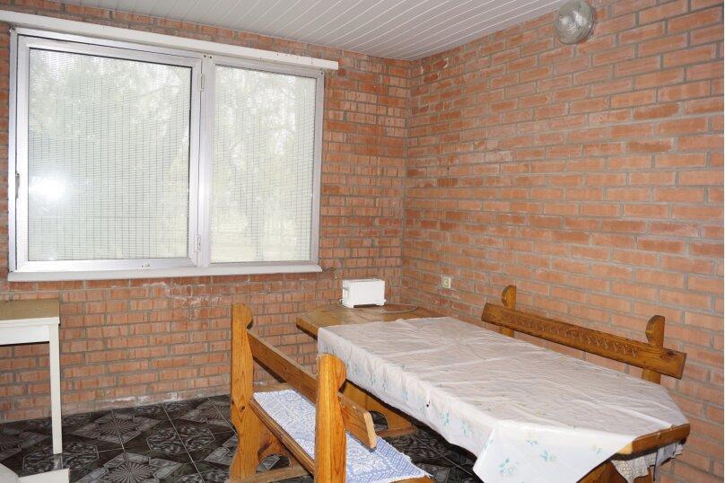 Дом на территории санатория, 60 кв.м. на 4 человека, 2 спальни, ал. Дружбы, 10, Заозерное - Фотография 23