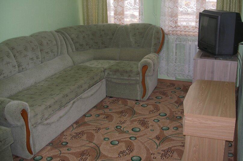 2-комн. квартира, 38 кв.м. на 6 человек, улица Козлова, 13, Пятигорск - Фотография 2