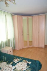 2-комн. квартира на 4 человека, улица Шорникова, Кемерово - Фотография 3