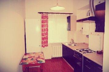 2х комнатный дом в районе малого Иерусалима, 80 кв.м. на 5 человек, 2 спальни, Гражданская улица, 3, Евпатория - Фотография 1