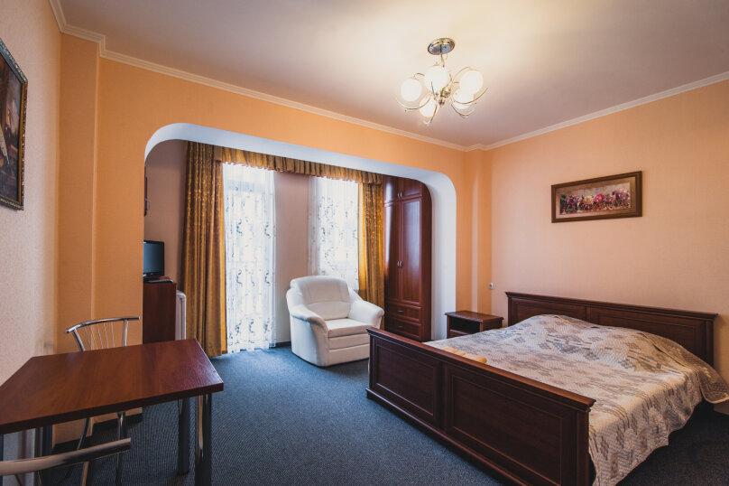 Стандартный двухместный номер с одной кроватью (без вида на море), шоссе Дражинского, 2А, Отрадное, Ялта - Фотография 1