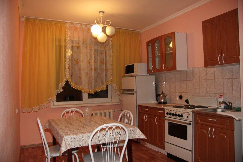 3-комн. квартира, 66 кв.м. на 6 человек, улица Братьев Ждановых, 3, Белокуриха - Фотография 1