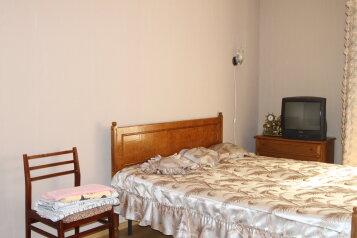 1-комн. квартира, 43 кв.м. на 4 человека, улица Белгородского Полка, 62, Восточный округ, Белгород - Фотография 1
