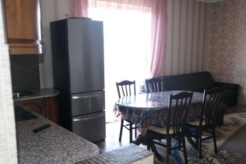 Дом у моря, 82 кв.м. на 8 человек, 4 спальни, улица Декабристов, 181, Лоо - Фотография 1