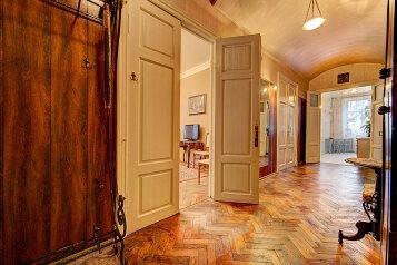 2-комн. квартира, 100 кв.м. на 5 человек, Невский проспект, Центральный район, Санкт-Петербург - Фотография 2