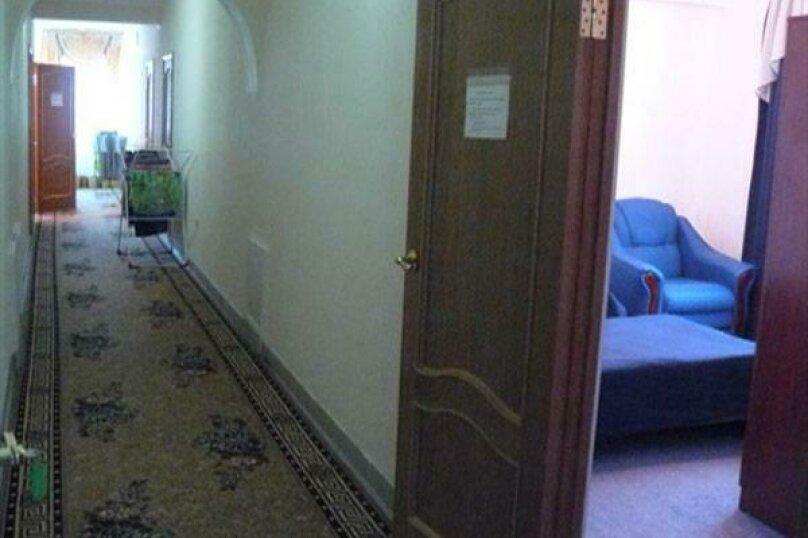 """Отель """"Ван"""", улица Калинина, 8 на 30 номеров - Фотография 37"""