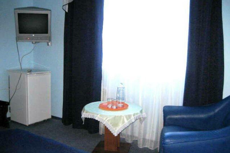 """Отель """"Ван"""", улица Калинина, 8 на 30 номеров - Фотография 41"""