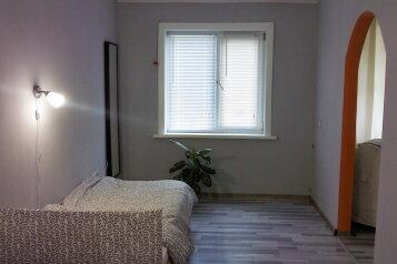 2-комн. квартира, 42 кв.м. на 4 человека, улица Карла Маркса, Оха - Фотография 3