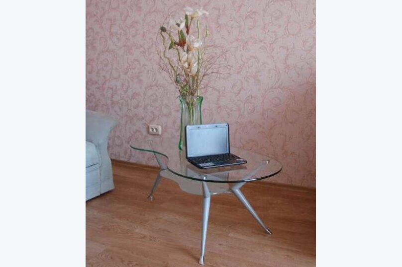 2-комн. квартира на 5 человек, улица Ленина, 19, Севастополь - Фотография 2