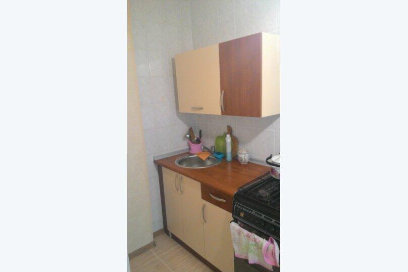 1-комн. квартира, 30 кв.м. на 3 человека, улица Назукина, 2, Феодосия - Фотография 12