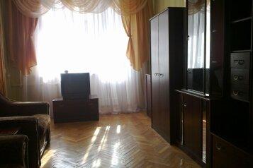 1-комн. квартира, 30 кв.м. на 3 человека, улица Назукина, Феодосия - Фотография 1