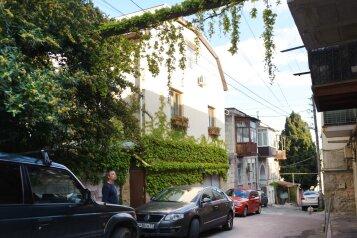 Домик, 150 кв.м. на 10 человек, 5 спален, Нижне-Слободская, 2, Массандра, Ялта - Фотография 1