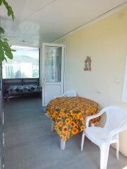 Двухкомнатный коттедж, 80 кв.м. на 5 человек, 2 спальни, Тихая, 13, поселок Орджоникидзе, Феодосия - Фотография 2