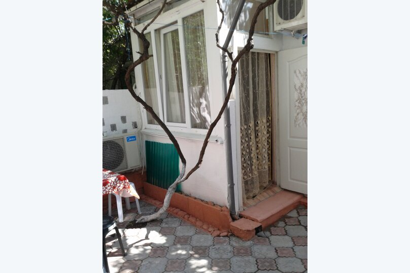 Сдаю дом   под   ключ, 45 кв.м. на 6 человек, 2 спальни, Таврическая улица, 12, Алушта - Фотография 21