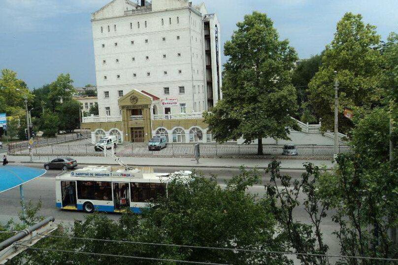 1-комн. квартира, 46 кв.м. на 3 человека, проспект Генерала Острякова, 5А, Севастополь - Фотография 12
