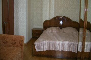1-комн. квартира, 32 кв.м. на 3 человека, улица Гоголя, Севастополь - Фотография 1