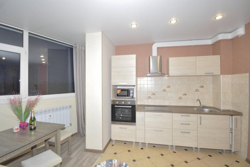 1-комн. квартира, 50 кв.м. на 3 человека, ул. Ивана Захарова, 9, Сургут - Фотография 3