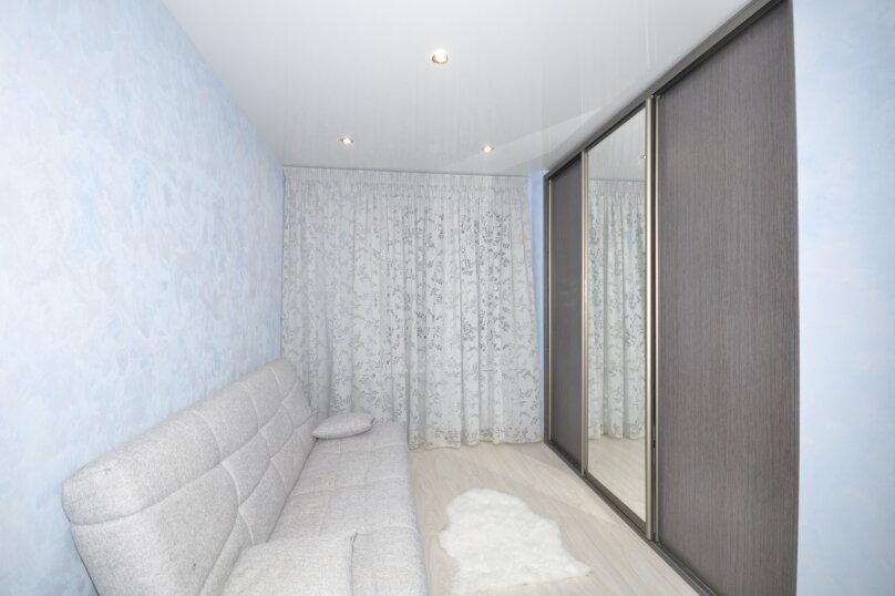 2-комн. квартира, 50 кв.м. на 6 человек, ул. Ивана Захарова, 11, Сургут - Фотография 4