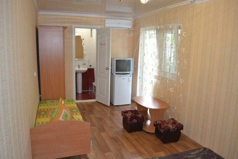 Уютный домик на 3х человек в хорошем районе Судака, 20 кв.м. на 3 человека, 1 спальня, улица Бирюзова, 6, Судак - Фотография 5
