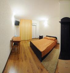 Люкс:  Номер, Люкс, 3-местный (2 основных + 1 доп), 1-комнатный, Гостевой  дом, улица Куликово Поле, 103 на 13 номеров - Фотография 3
