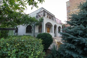 Дом, 185 кв.м. на 8 человек, 4 спальни, Садовая улица, 19, Феодосия - Фотография 1