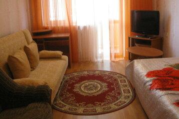 2-комн. квартира, 42 кв.м. на 6 человек, Полупанова, 40, Евпатория - Фотография 1