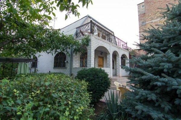 Дом, 185 кв.м. на 7 человек, 4 спальни, Садовая улица, 19, Феодосия - Фотография 1