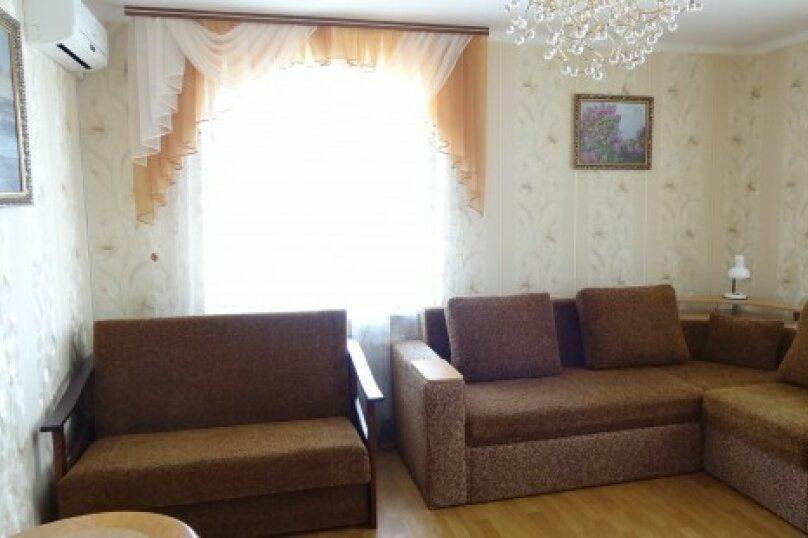 1-комн. квартира, 65 кв.м. на 5 человек, бульвар Старшинова, 10А, Феодосия - Фотография 1