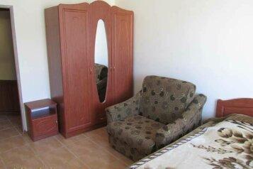 Сдам гостевой дом по комнатам, Комсомольская улица на 12 номеров - Фотография 3