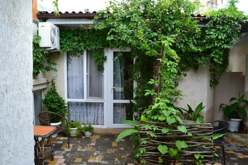 Уютный домик на 2х чел в хорошем районе Судака, 20 кв.м. на 2 человека, 1 спальня, улица Бирюзова, 6, Судак - Фотография 7