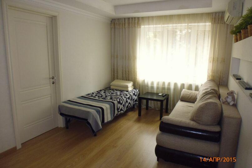 2-комн. квартира, 42 кв.м. на 4 человека, улица Воровского, 5, Сочи - Фотография 2