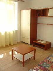 2-комн. квартира, 57 кв.м. на 6 человек, Симферопольское шоссе, 24Б, Феодосия - Фотография 1