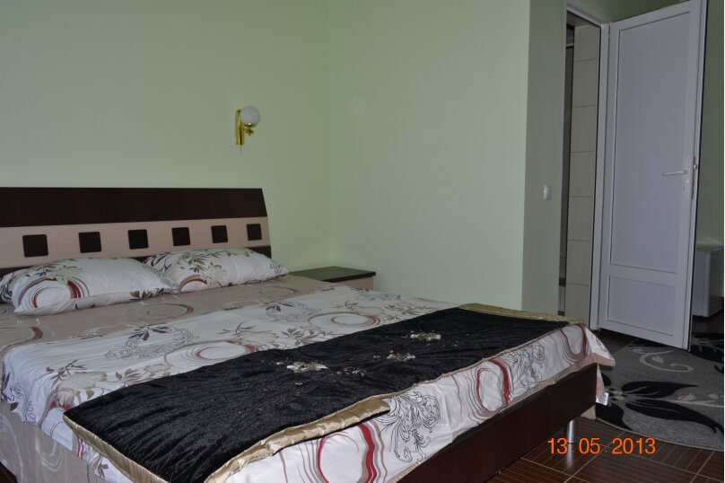 Двухместный номер Делюкс с 1 кроватью и видом на море, Набережная улица, 39, село Прибрежное (Евпатория) - Фотография 1