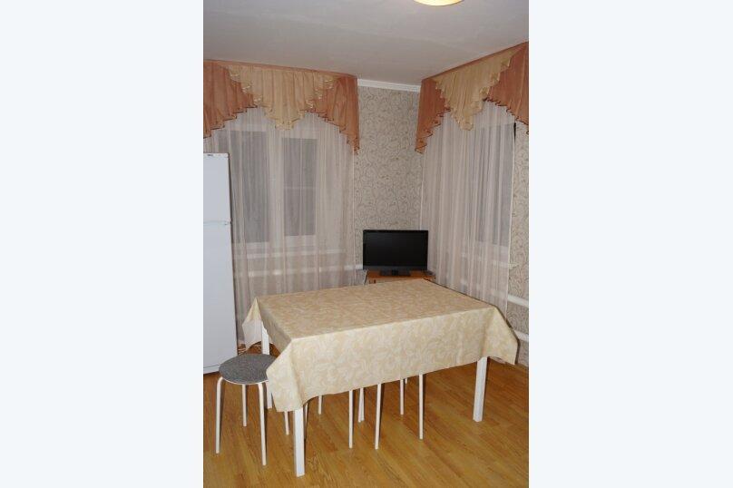 Часть дома, 70 кв.м. на 5 человек, 2 спальни, улица Свердлова, 55, Ейск - Фотография 24