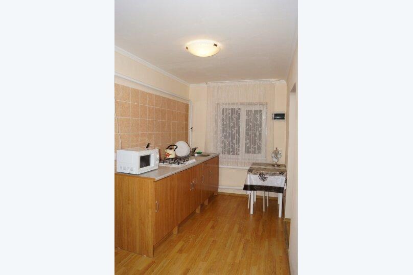 Часть дома, 70 кв.м. на 5 человек, 2 спальни, улица Свердлова, 55, Ейск - Фотография 4