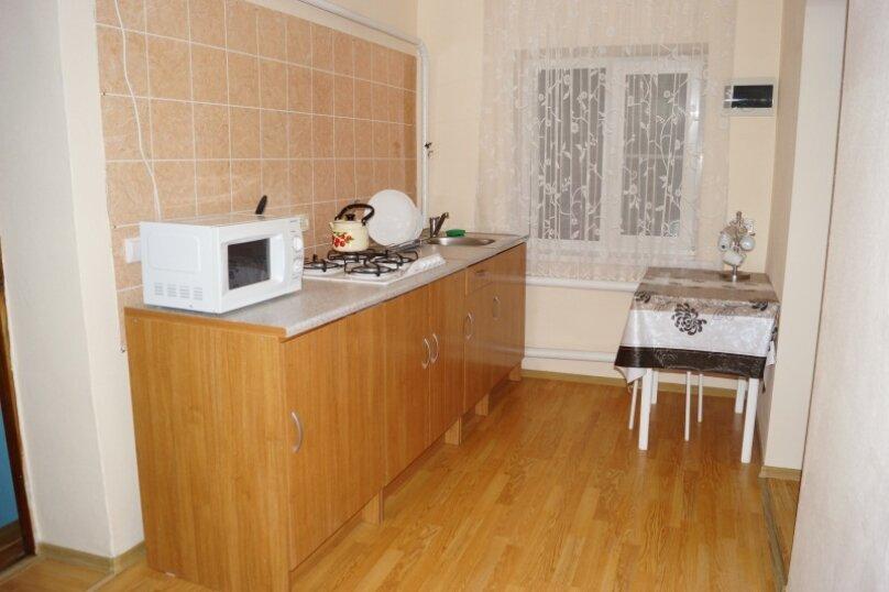 Часть дома, 70 кв.м. на 5 человек, 2 спальни, улица Свердлова, 55, Ейск - Фотография 6