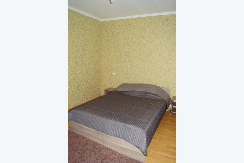 Часть дома, 70 кв.м. на 5 человек, 2 спальни, улица Свердлова, 55, Ейск - Фотография 12