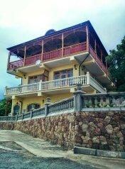 Гостевой дом в пгт Береговое, улица Кипарисная, 31а на 9 номеров - Фотография 1
